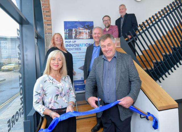 August 5th, Acceleration Through Innovation 2 (ATI2) celebrated opening its ninth Pop-Up Innovation Centre at the Plantation Store in Hayle.  The Mayor of Hayle, Steve Benney, cut the ribbon